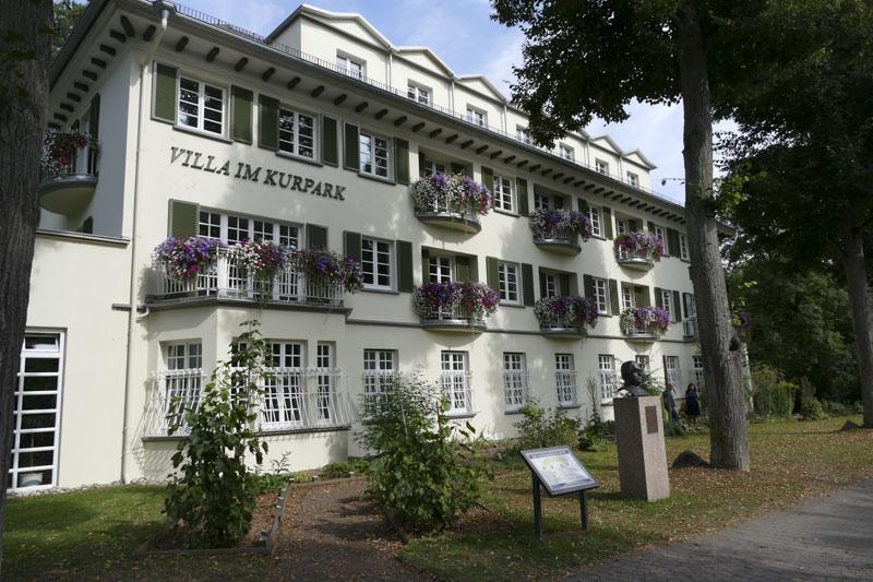 Haus des Gastes mit Kräutergarten_Foto_Kurverwaltung Mergentheim