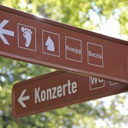 Michael_Ende_Kurpark_Wegweiser_©Markt Garmisch-Partenkirchen (2)_MartinGulbe