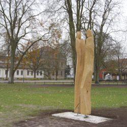 Holzskulptur Begegnungen - Rainer Ern - Bildhauer_Bad Rothenfelde (SLS)